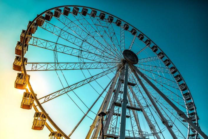 Rimini's ferris wheel Italy shutterstock_151595597-2