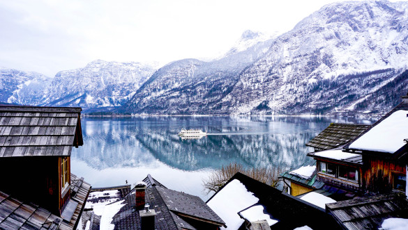 Lake, mountain, village and Life in Hallstatt