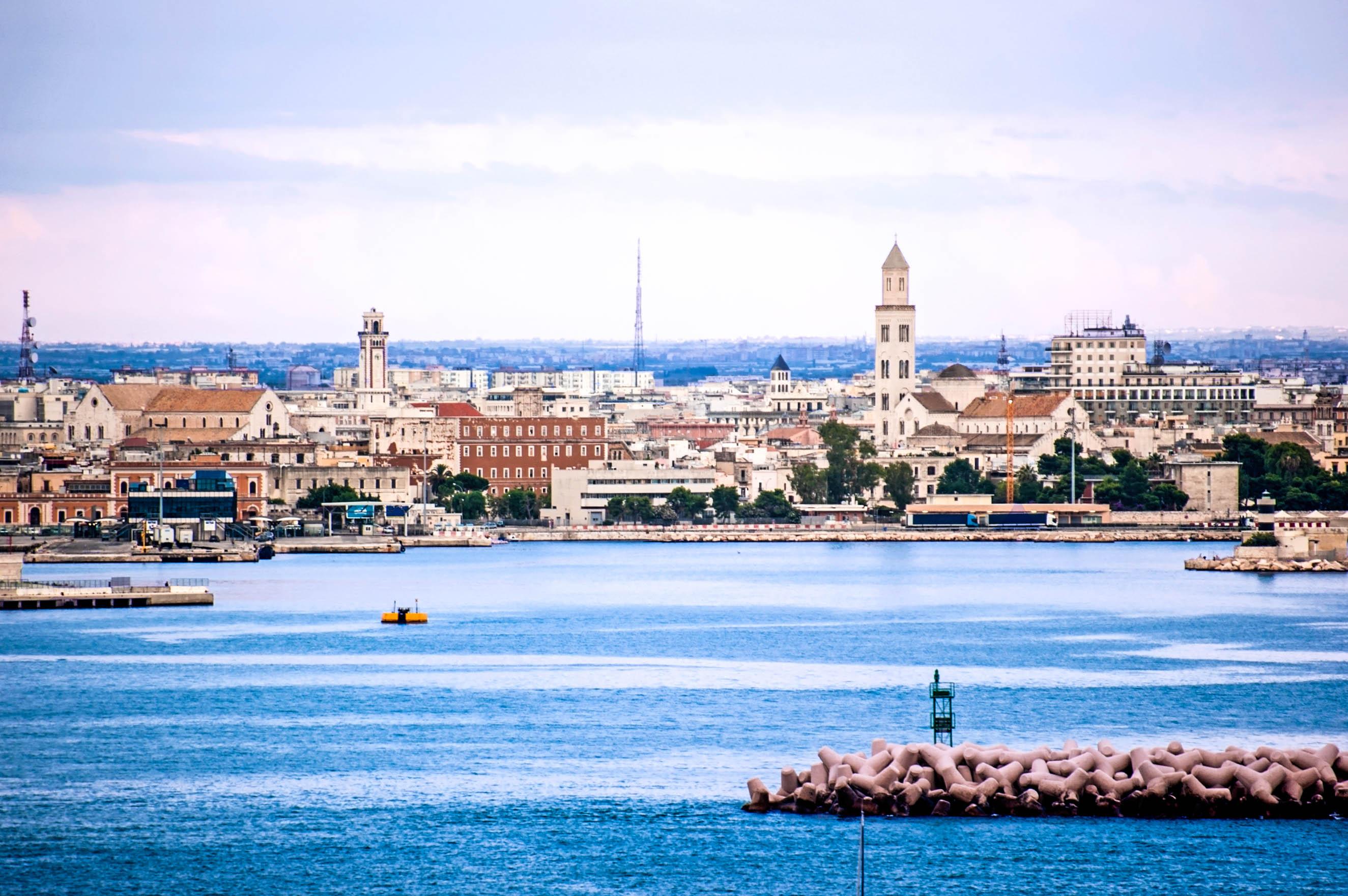 skyline von Bari Tipps Urlaub