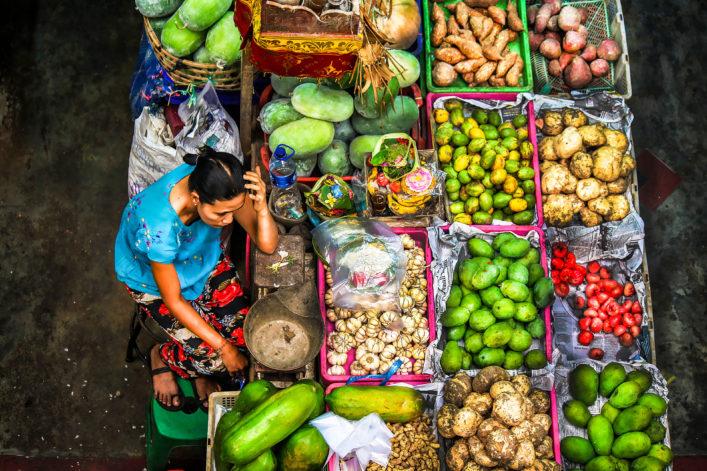 Szene Am Pasar Badung Bali, Indonesien iStock_000068751515_Large EDITORIAL ONLY didoi-2