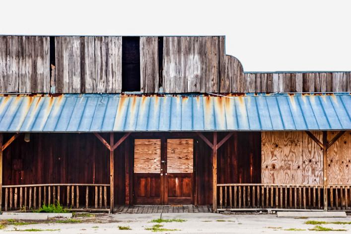 Abandoned Saloon iStock_000025342528_Large-2