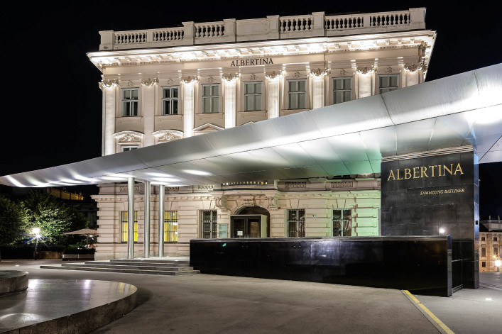 Albertina Museum, Wien iStock_000079516215_Large EDITORIAL ONLY giorgiogalano-2