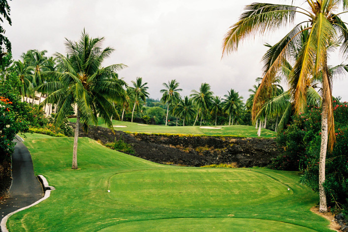 Hawaii golf course hole tee box iStock_000004185557_Medium-2