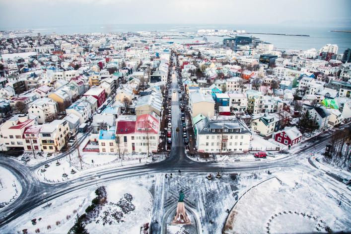 Mit Blick über Reykjavik iStock_000055921724_Large-2