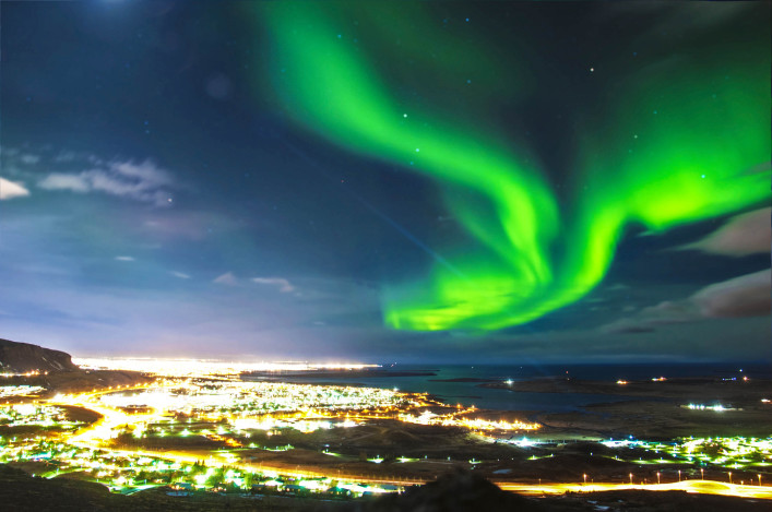 Northern lights über Reykjavik Island iStock_000034689888_Large-2 – Kopie