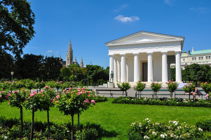 Volksgarten with Theseus temple in Vienna, Austria iStock_000021395487_Large-2