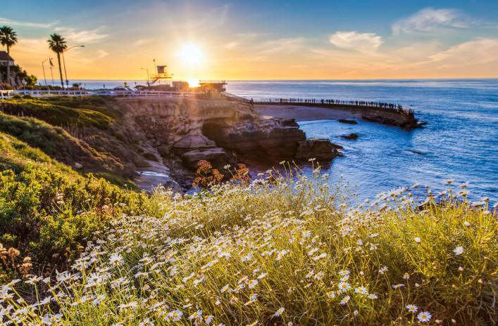 Sonnenuntergang in La Jolla cove beach, San Diego, Kalifornien iStock_000039804928_Large-2
