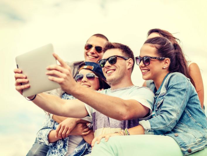 Internetgefahren im Urlaub Tablet
