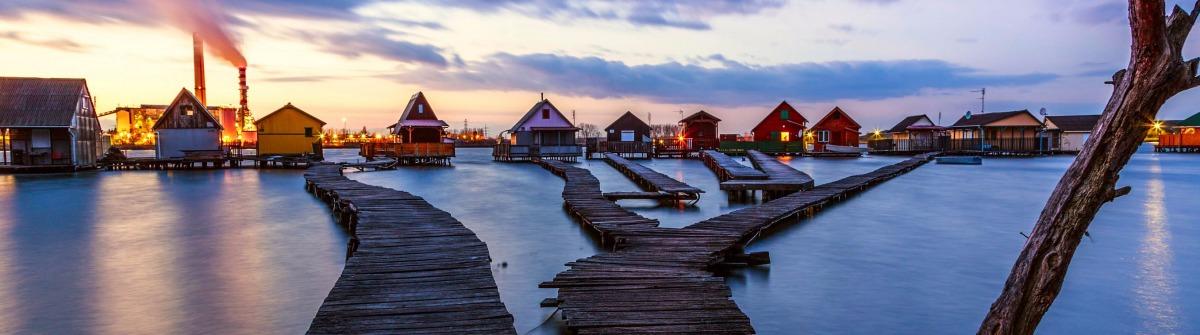 Schwimmendes Dorf - Bokod in Ungarn