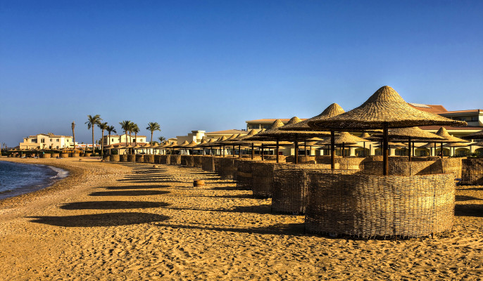 Tropical resort Hurghada Ägypten Egypt shutterstock_183884426-2