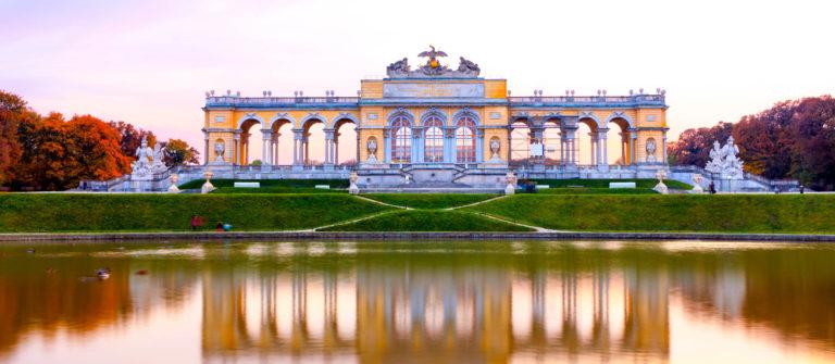 Wien Gloriette iStock_000019727618_Large-2