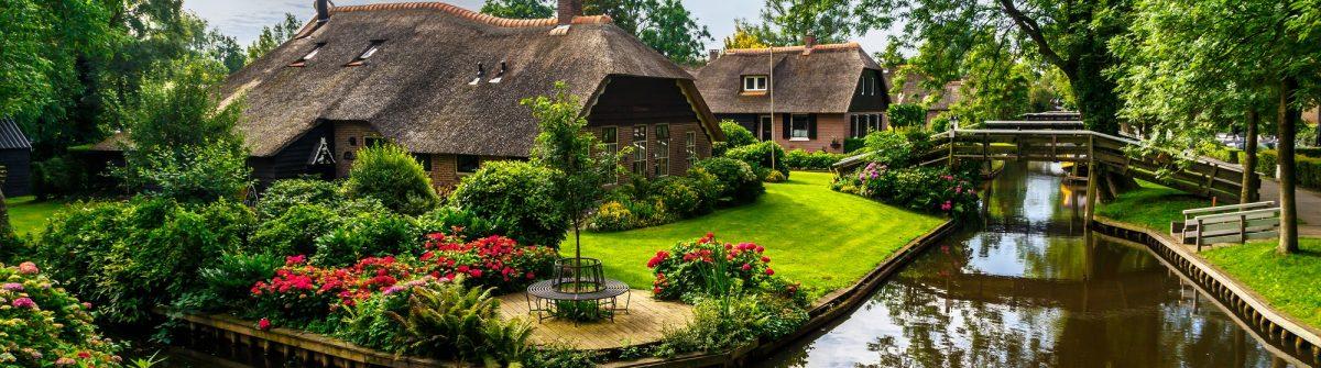 Giethoorn Village Scene