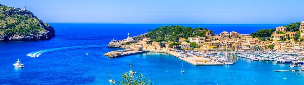 Der Küstenort Port De Soller im Nordwesten von Mallorca