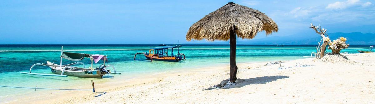 Beach of Gili Meno, Lombok, Indonesia shutterstock_404783080-2