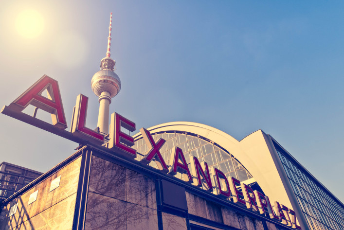 Berlin Alexanderplatz iStock_000019159029_Large-2