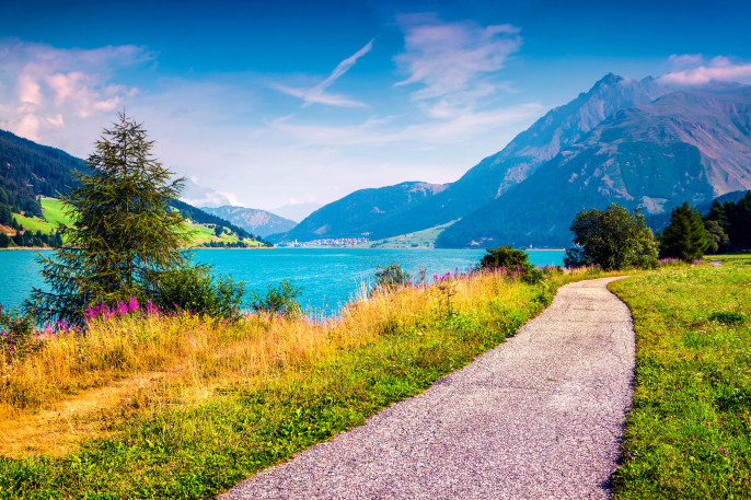 Italiens versunkene Stadt, Reschensee, Resia Lake, Südtirol, Italien