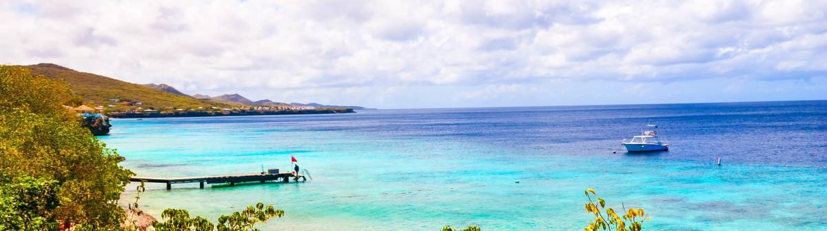 Caribbean Diving Paradise iStock_000038572316_Large-2