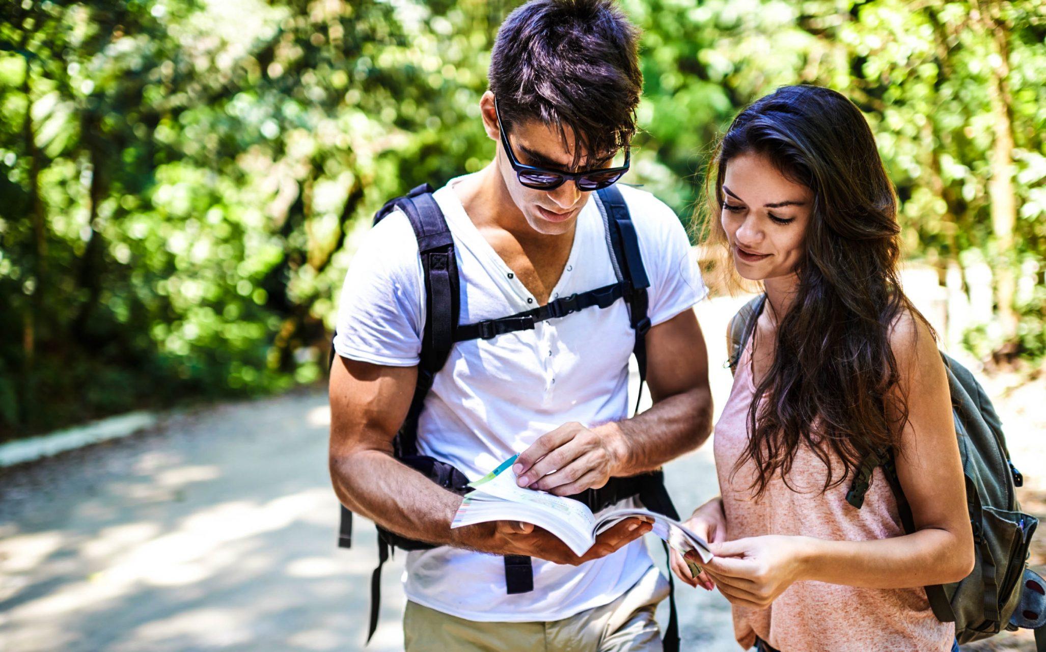 Wo soll der nächste Urlaub hingehen? Mit Blind Booking wird es eine Überraschung