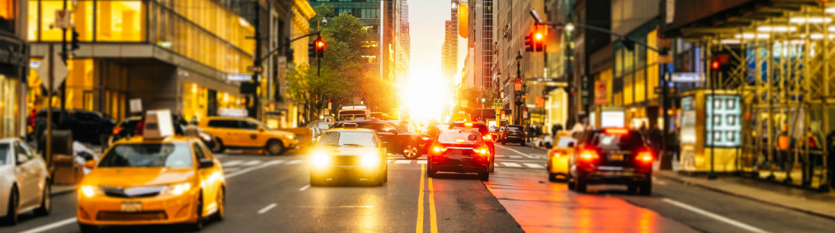 Manhattanhenge On 42Nd In New York