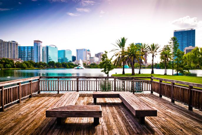 Orlando downtown, lake Eola