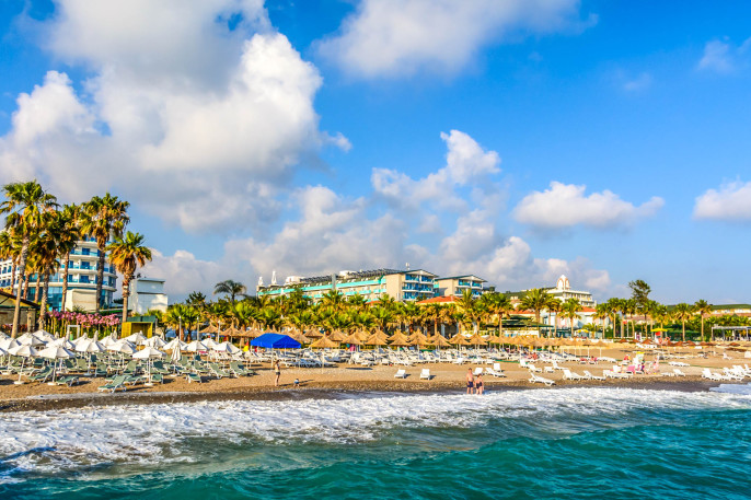Sea coast beach in Alanya, Turkey shutterstock_317464364-2