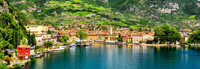 Gardasee Riva del Garda iStock_000023361138_Large-2