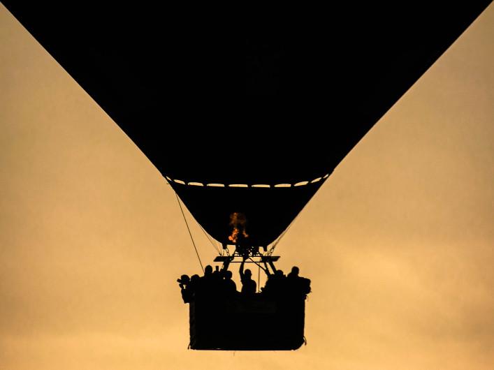 Hot air balloon silhouette 3