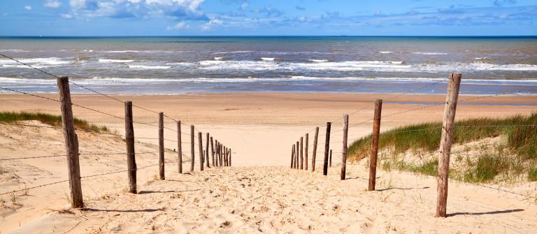 Beach shutterstock_128870473