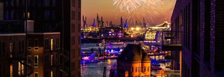 Hamburg harbor – firework