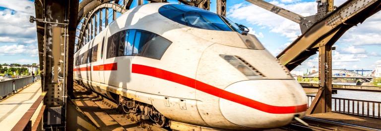 ICE in Frankfurt, Deutsche Bahn shutterstock_242843569-2