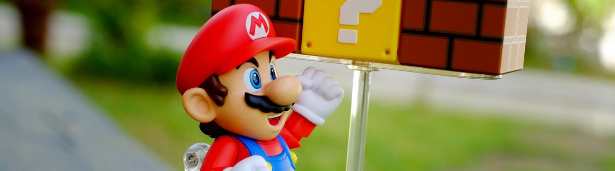 Super Mario Bros Nintendo shutterstock_280421828