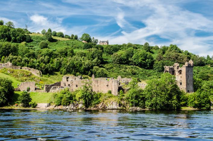 Urquhart Castle. Inverness. Scotland shutterstock_476770336-2