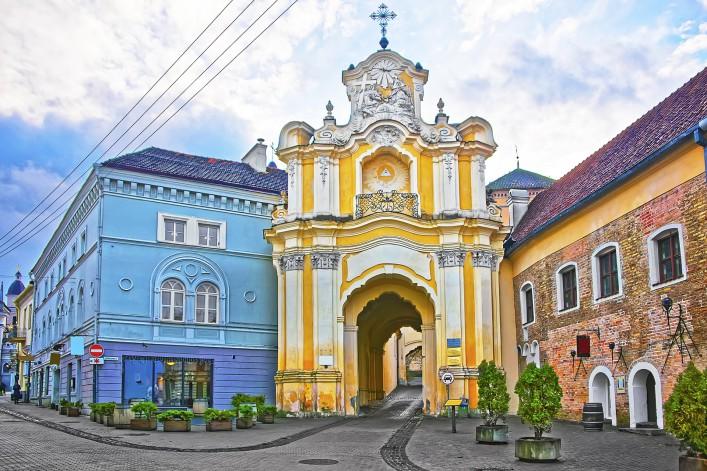 Vilnius Litauen Oldtown shutterstock_358492703
