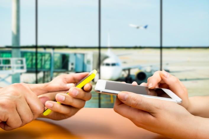 Wlan Wifi Airport Smartphone shutterstock_278301773