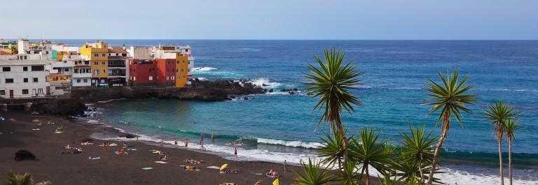 Beach in Puerto de la Cruz – Tenerife island (Canary Spain)_shutterstock_258470768