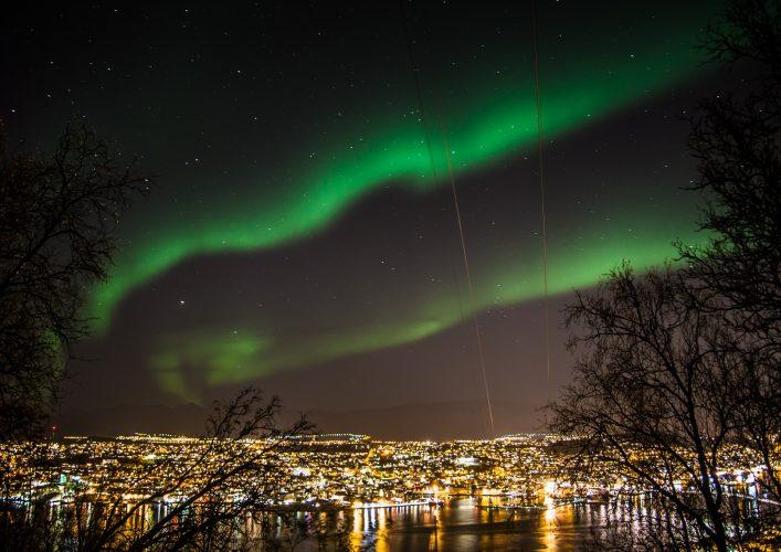 Nordlichter Tromso Norwegen shutterstock_217574257