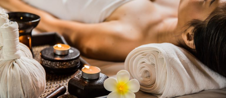 Candle in the spa and wellness shutterstock_268505267-2