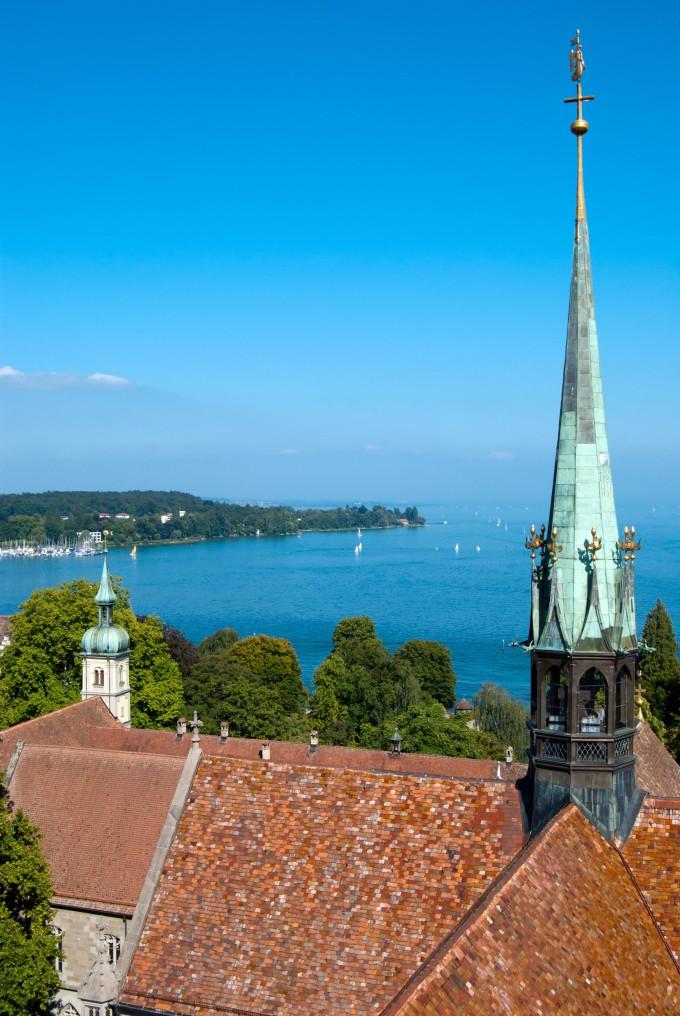 Constance church tower and Boden lake, Germany – Switzerland_shutterstock_82707496_klein