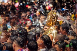 Reiseziele April_Events_Festivals_Songkran_Wasserfest Thailand