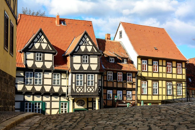 old german latticed houses at quedlinburg_shutterstock_502284637_klein