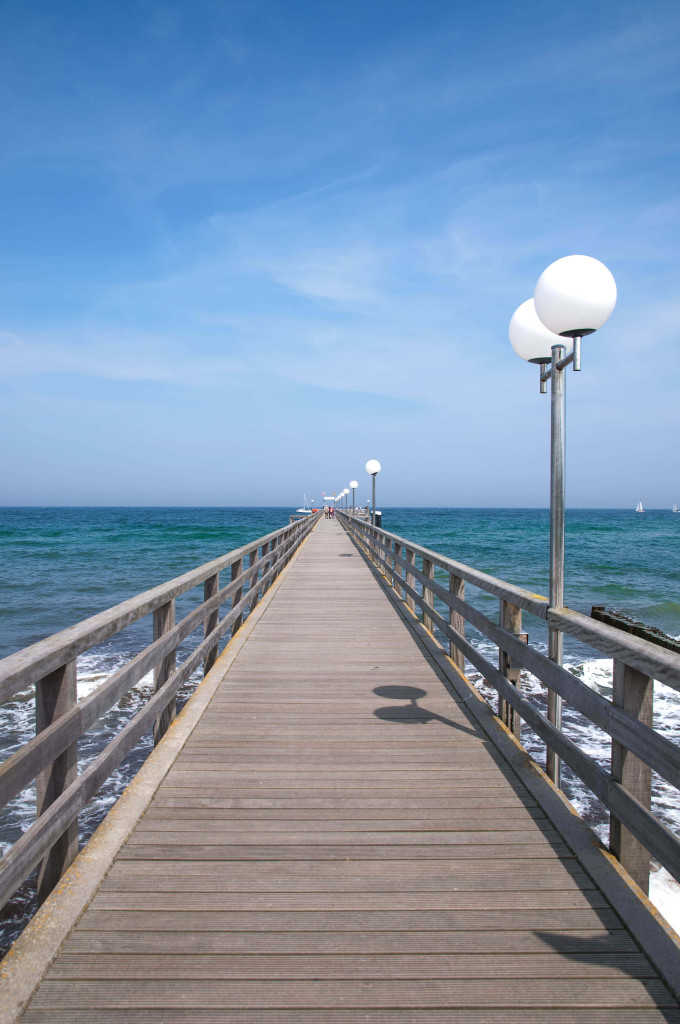 Pier of Kuehlungsborn at Baltic Sea,Mecklenburg-Vorpommern,Germany_shutterstock_139608059_klein