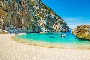 Reiseziele Mai_Badeurlaub_Italien_Sardinien