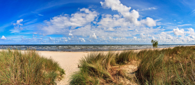 Usedom Beach iStock_000021723465_Large-2