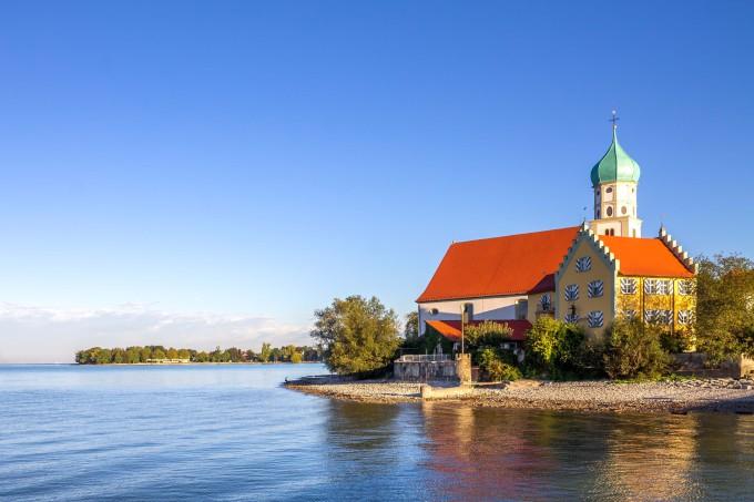 Wasserburg, Lake of Constance,_shutterstock_525797161_klein