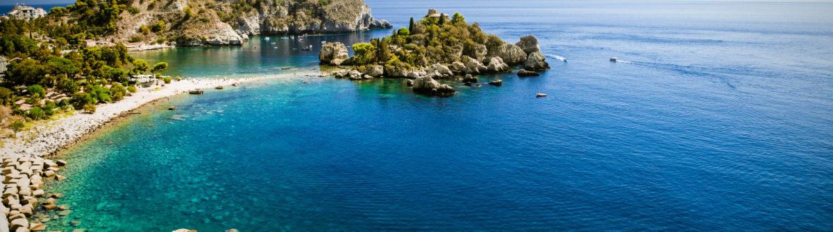 Isola bella in Taormina auf Sizilien iStock_000054903516_Large-2