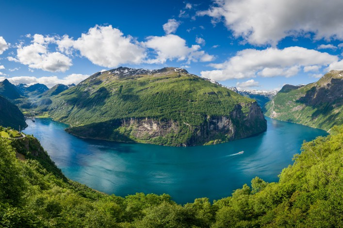 Norway_Geiranger Fjord_shutterstock_548421886