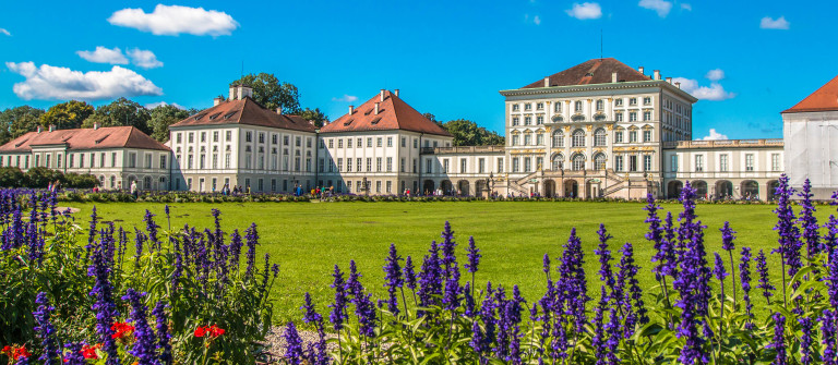 Nymphenburg Palace in Munich shutterstock_284666513-2
