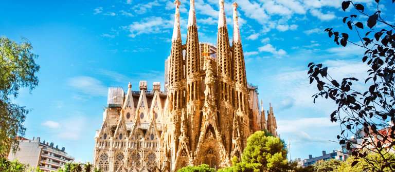 Sagrada Familia Cathedral in Barcelona iStock_000069446845_Large-2