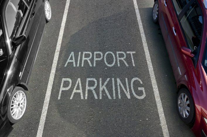 Wo kann man günstig am Flughafen parken?