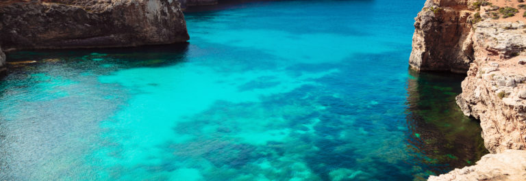 The Blue Lagoon on Comino Island, Malta Gozo._shutterstock_301444703